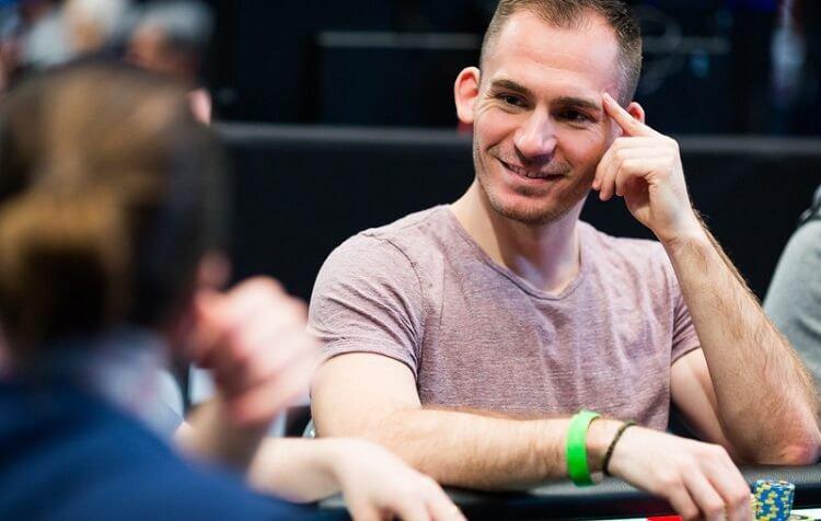 Джастин Бономо знаменитый игрок в покер